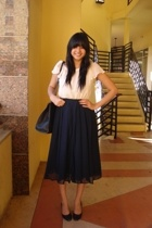 beige H&M top - blue H&M skirt - black Chinese Laundry shoes