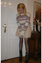 white vintage Paris sweater - black fishnet Calzedonia tights