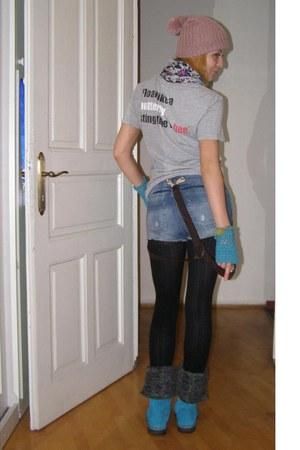 pink Terranova hat - sky blue sheepskin vagabond boots - silver Terranova scarf