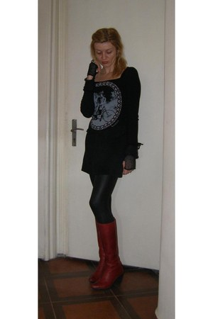 black Ironica blouse - ruby red leather Fly London boots