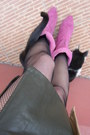 Bubble-gum-suede-boots-black-fishnet-calzedonia-tights