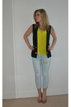 yellow tshirt H&M t-shirt - light blue jeans Zara pants