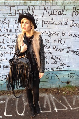 black fashion Zara boots - black black Zara hat - black leather Topshop jacket