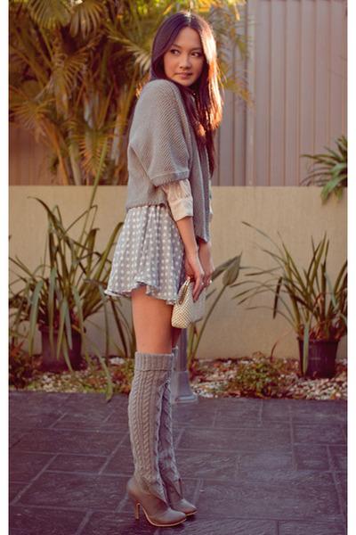 heather gray boots - eggshell thrifted vintage bag - heather gray socks - heathe