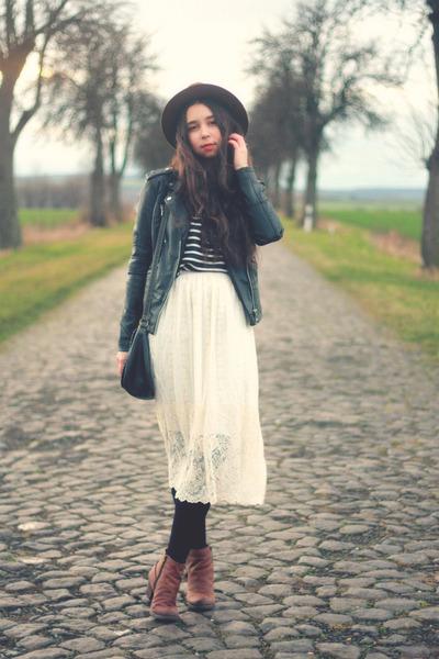 Chicwish skirt - black leather River Island jacket - Zara blouse