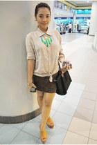 chartreuse Tweetums necklace - black longchamp bag - camel giordano blouse