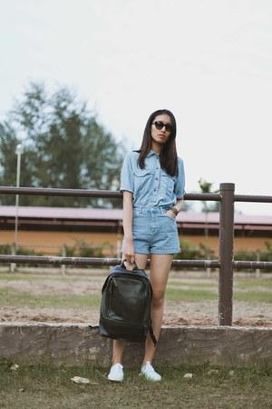 sky blue denim Topshop shorts - black backpack coach bag