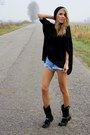 Sky-blue-second-hand-shorts-black-secondhand-blouse