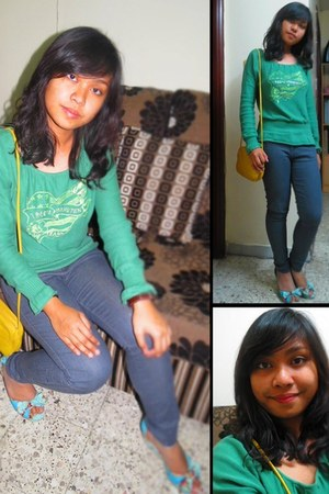 Forever21 jeans - giordano shirt