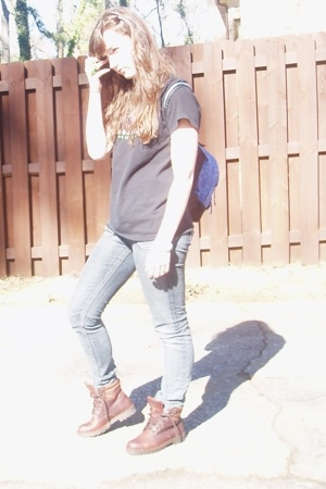 shirt - jeans - boots