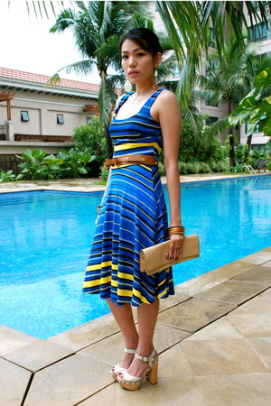 blue Mango dress - camel CMG bag - bronze Parfois bracelet - off white Oro Nero