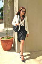 black Chanel bag - white Zara blazer - black YSL sunglasses