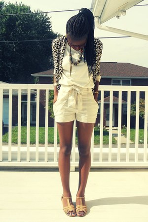 cream high waisted H&M shorts - leopard open H&M blazer