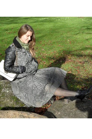 gray vintage skirt - cream new look purse