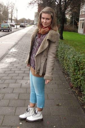 white Dr Martens boots - tan Bershka coat - brick red c&a scarf