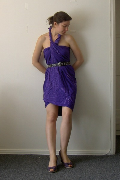 Purple Dresses Black Belts Purple Shoes Gray Jeans Playing
