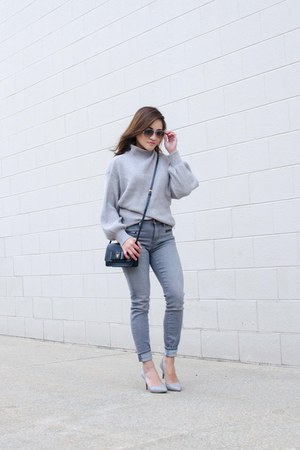 grey zaful sweater - greypumps Karl Lagerfeld shoes - grey Gap jeans