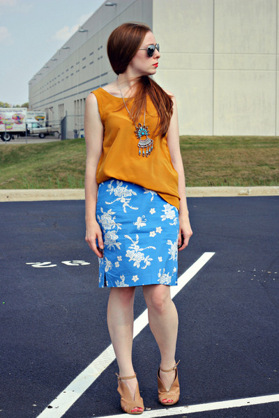 skirt - vintage silver necklace - mustard tank top