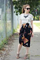 necklace - t-shirt - skirt