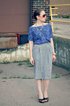 gray pencil skirt - shirt