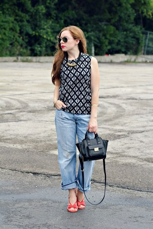 black and white shirt - boyfriend jeans jeans