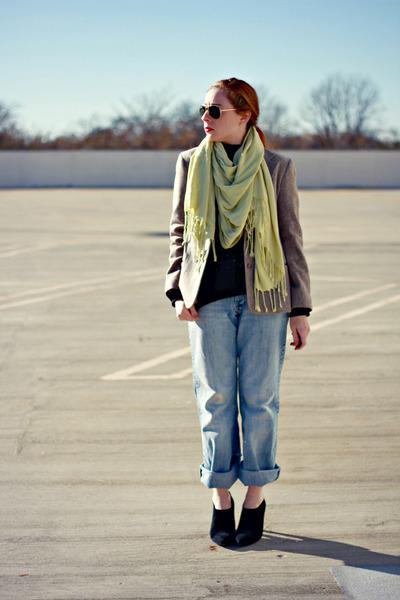blazer - boyfriend jeans - sweater