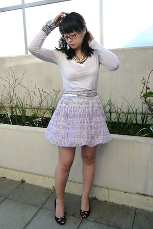 white Uniqlo shirt - purple H&M skirt - black secondhand Guess shoes - silver Al