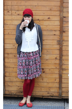 ruby red c&a hat - ruby red lycra c&a leggings