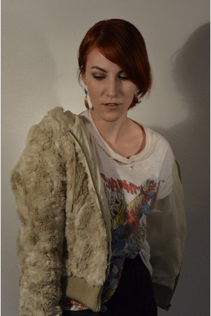 Marvel shirt - faux fur H&M jacket - thrifted vintage shorts