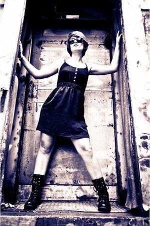 Hot Kiss boots - Mossimo dress - sunglasses