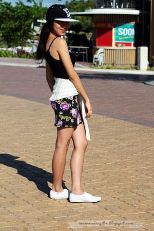 floral skirt Forever 21 skirt - white Keds sneakers