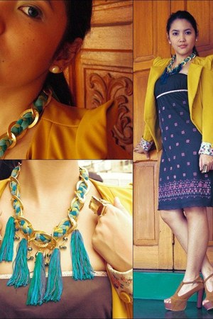 turquoise blue tassel Bubbles necklace - green Bazaar dress