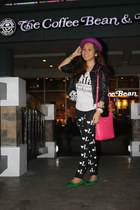 black printed Love Lila leggings - hot pink body sling Michael Kors bag