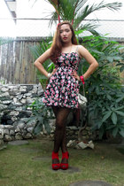 red suede Rajo x Parisian heels - black floral Forever 21 dress