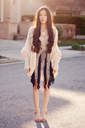 shredded Urban 1972 dress - chunky romwe cardigan - Nine West pumps