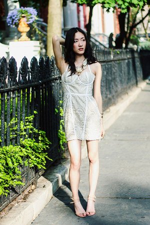 cream lace Tobi dress - Susanna Galanis accessories