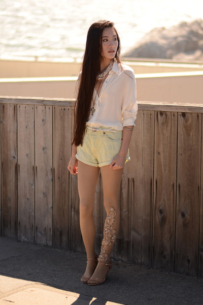 embroidered Bebaroque tights - 501 Levis shorts