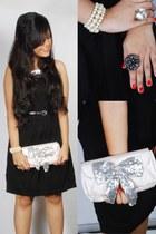 black silver bib Zara dress - silver bow papaya bag - off white pearls Accessori