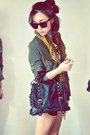 Army-green-coat-white-shirt-mustard-scarf-black-bag