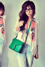 Light-blue-jeans-neutral-blazer-off-white-shirt-salmon-scarf-green-bag