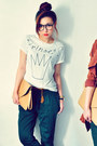 Brick-red-coat-mustard-bag-teal-pants-white-t-shirt