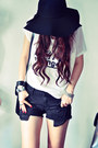 Black-shorts-ruby-red-accessories-ivory-t-shirt-silver-accessories