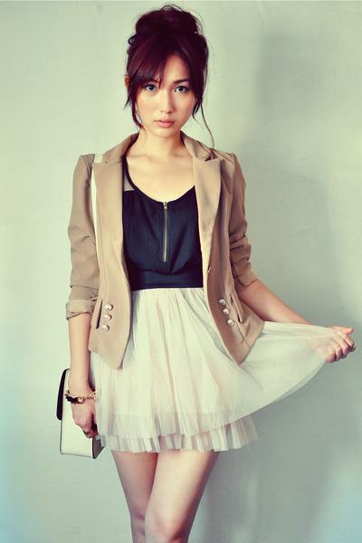 beige skirt - light brown blazer - black shirt - off white bag