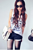 heather gray shirt - white bag - black shorts