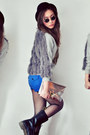 Blue-shorts-heather-gray-jumper