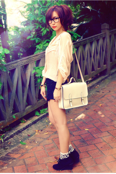 off white bag - black shorts - crimson socks - peach blouse