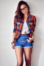 Navy-shorts-carrot-orange-blouse-white-shirt-dark-brown-stockings