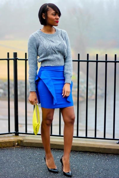 heather gray H&M sweater - blue Lulus skirt