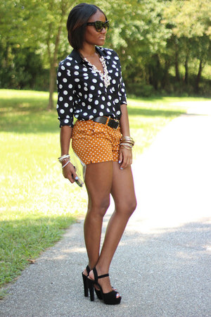 black H&M blouse - gold Old Navy shorts