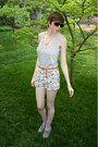 Gray-forever-21-shoes-white-floral-forever-21-shorts-light-purple-dotted-urb